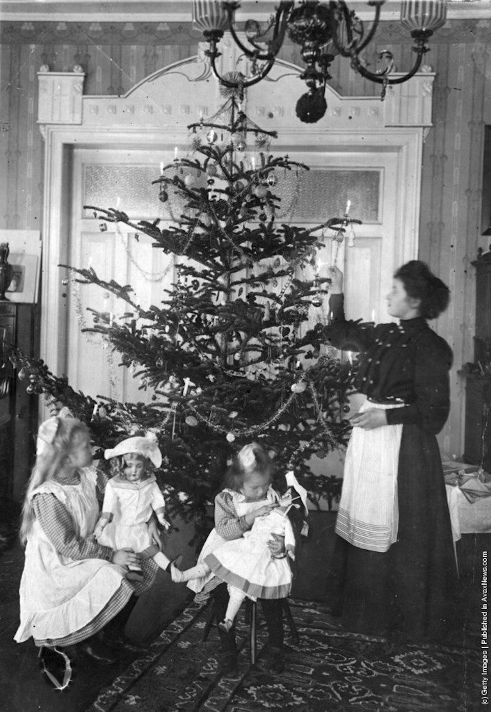 Victorian-Christmas-Tree-Decorations