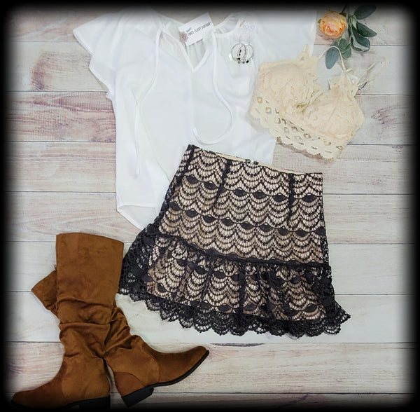 Short crochet lace mini skirt