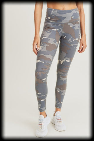 Blue camo highwaist activewear leggings