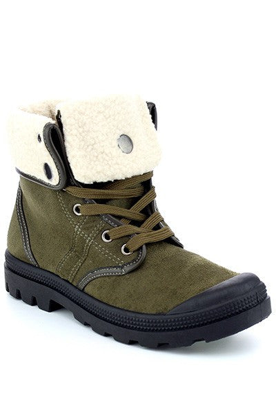 Fold over winter boots
