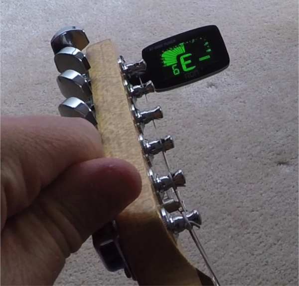 6 ways to keep your Guitar In Tune