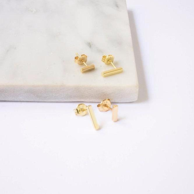 Tiny Bar Earstuds Gold