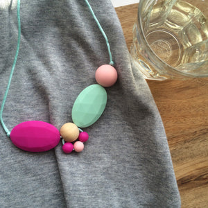 Teething necklaces - a mum essential?