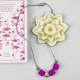 Silicone and maple teething necklace: hex appeal