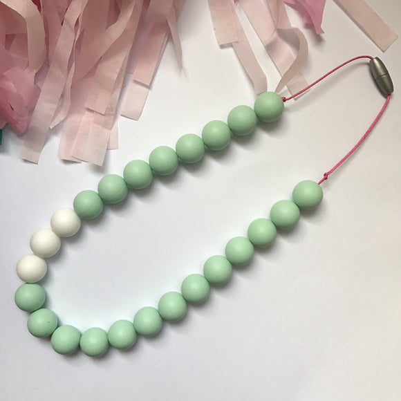 Silicone teething necklace: Chunky Mint