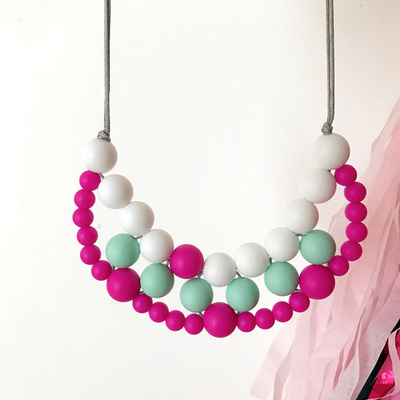 Silicone teething necklace: woven bib necklace (pink)