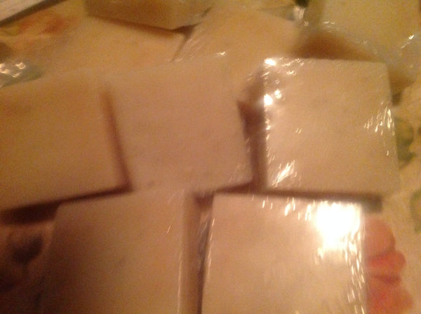 Sweet Almond & Yogurt Goat's Milk & Oatmeal Soap Bar