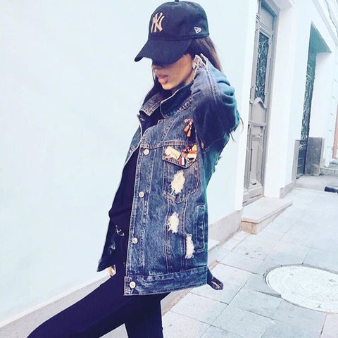 it-style-denim-jacket-with-pins