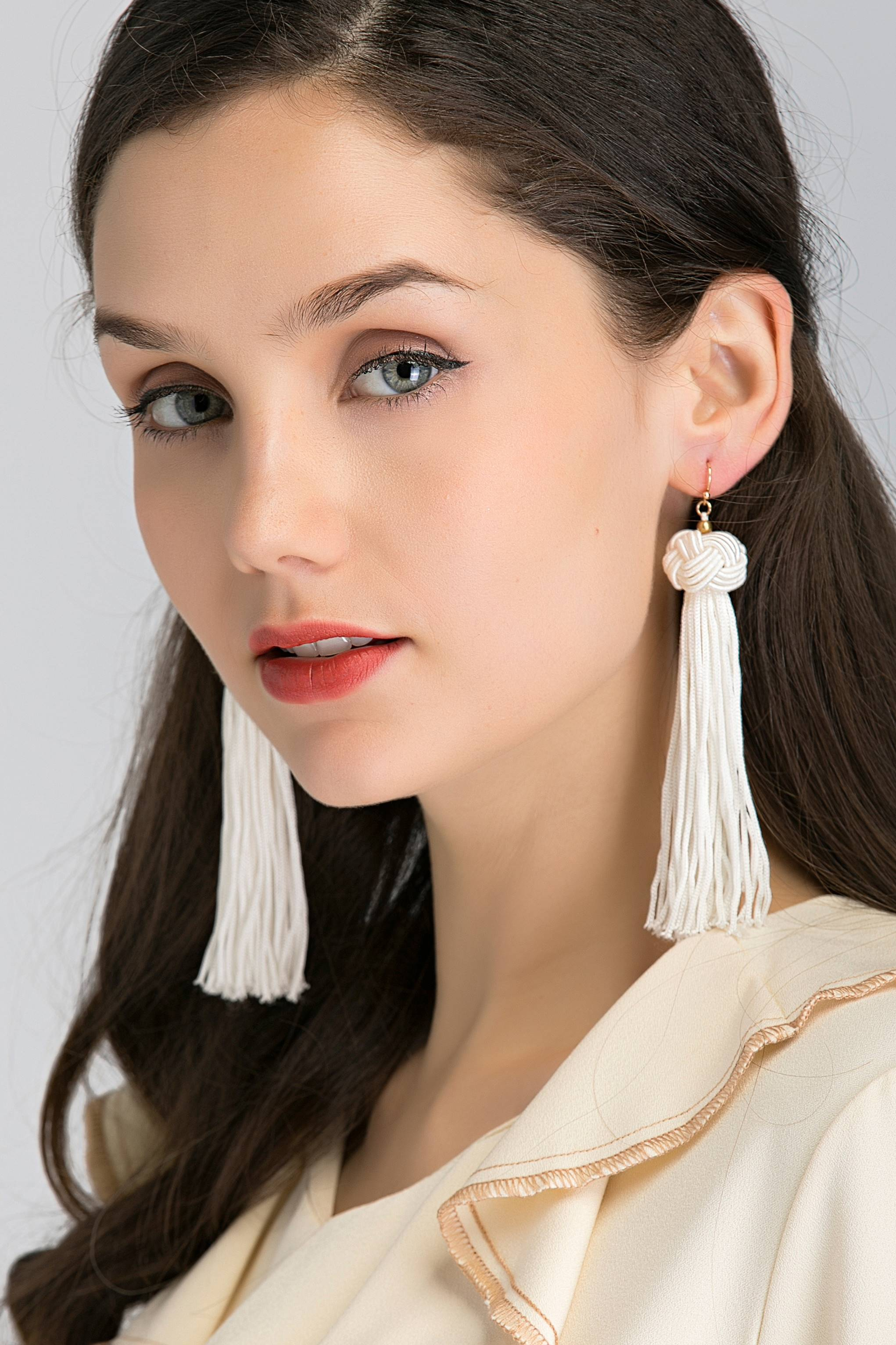 White Round Knot Tassel Earrings