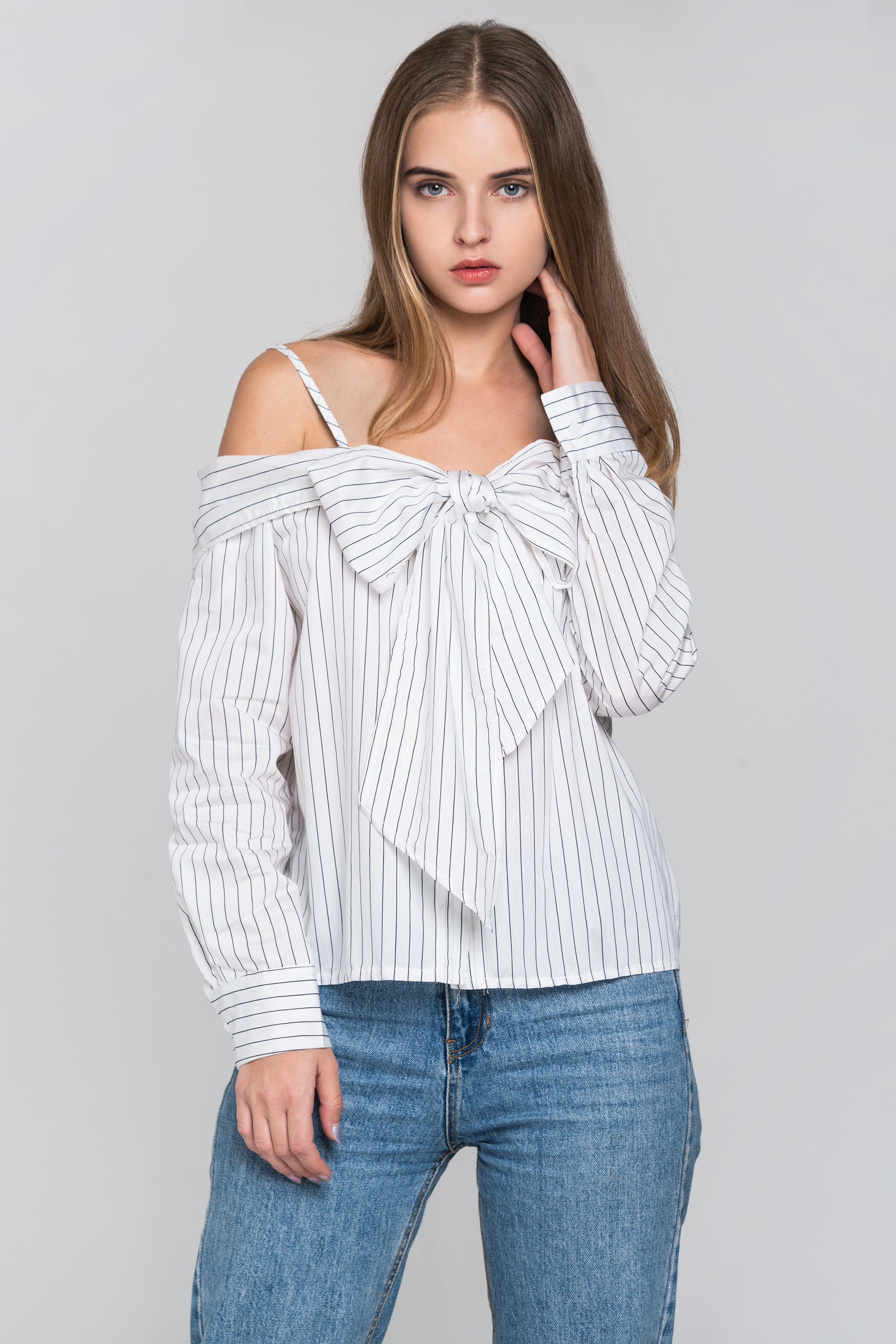 12fa3edeb82e0 White Pin Stripes Cold Shoulder Tie Bandeau Top – OwnTheLooks