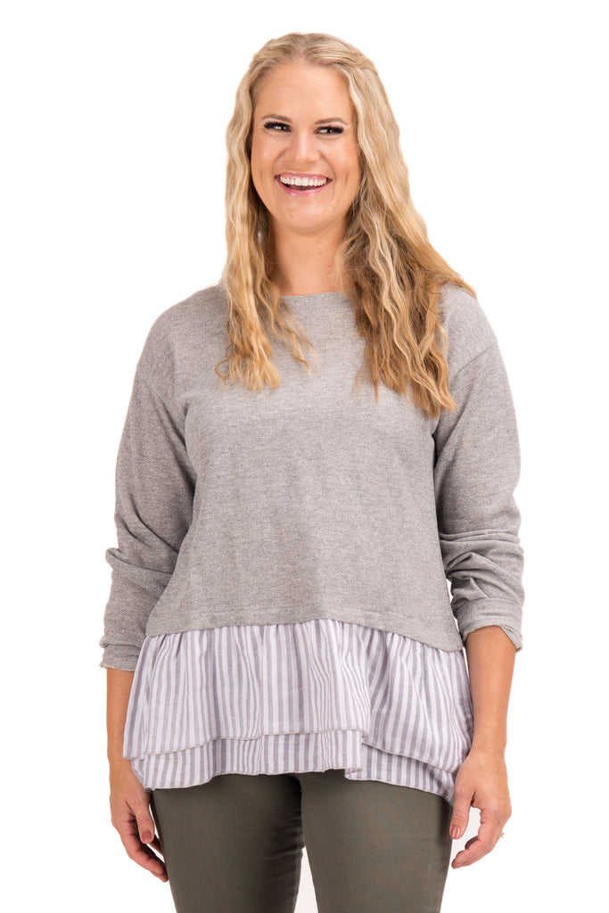 Collette - Sweatshirt with Ruffle Bottom