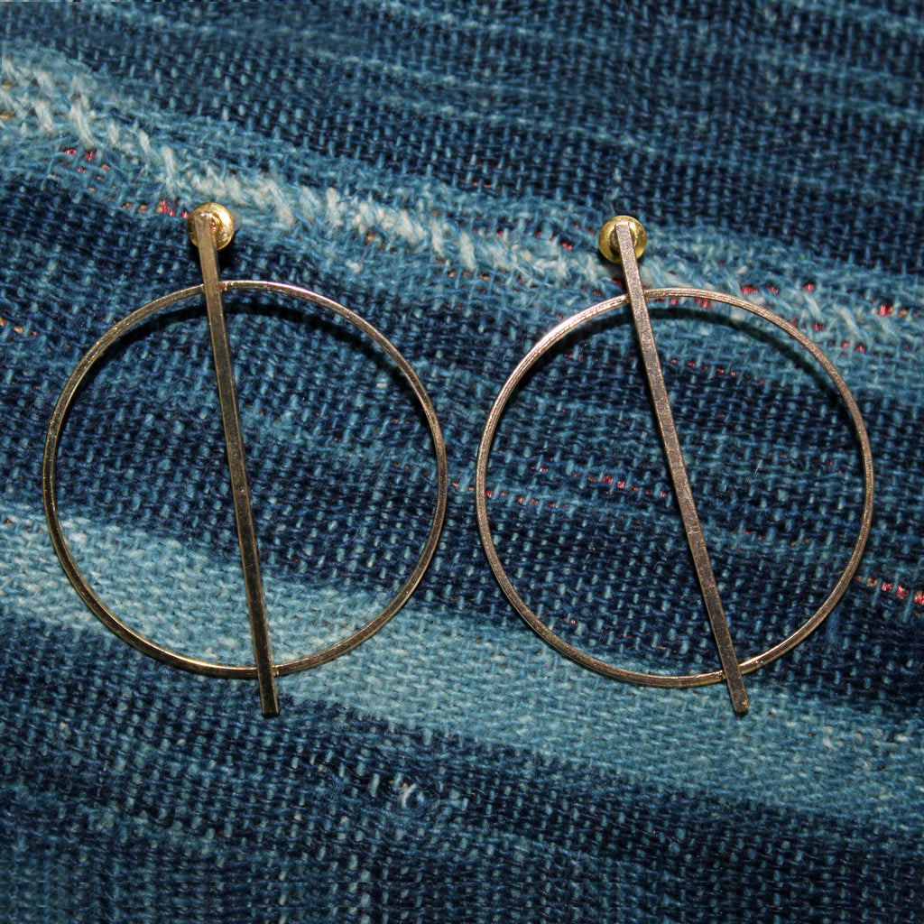 Jolie - Gold Circle Bar Earrings