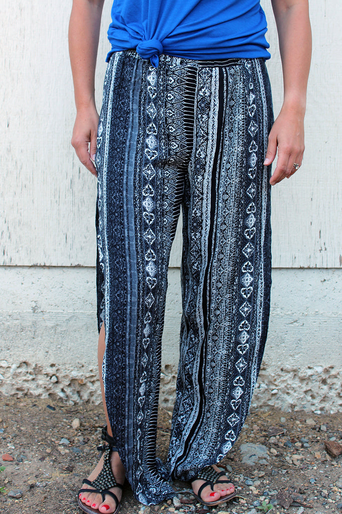 Rochelle - Printed Flowy Pants