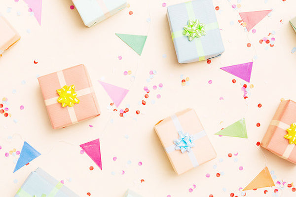 10 Adorable Small Gifts To Give!