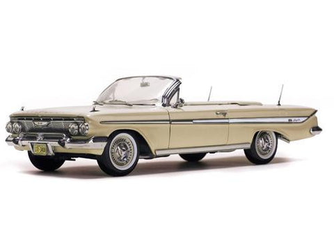 Diecast 1961 Impala Sunstar beige or blue 1/18