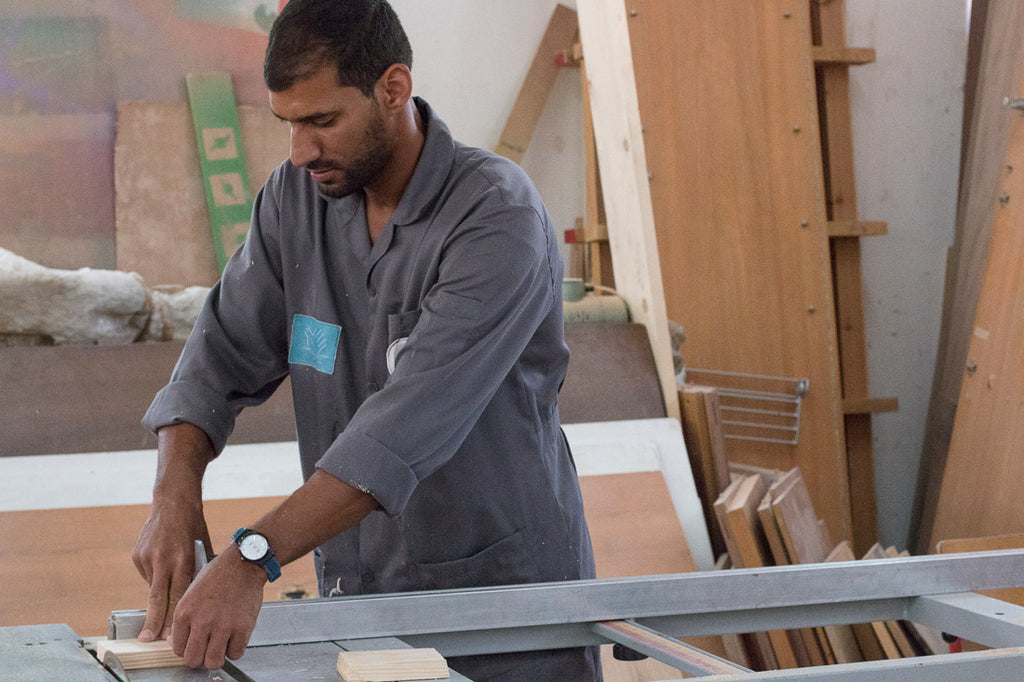 carpenter with disability refugee palestinian
