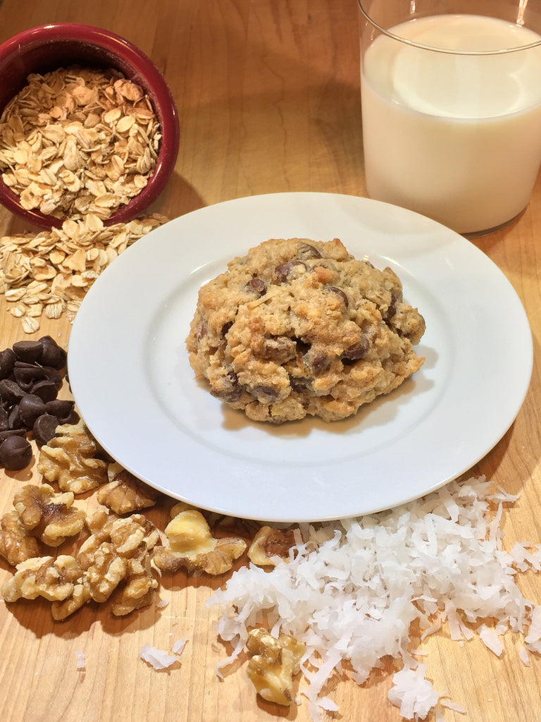 OatMOMMA with Chocolate Chips, Walnuts and Coconut
