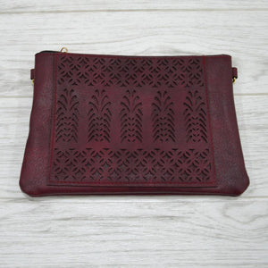 Dani Clutch in Deep Red