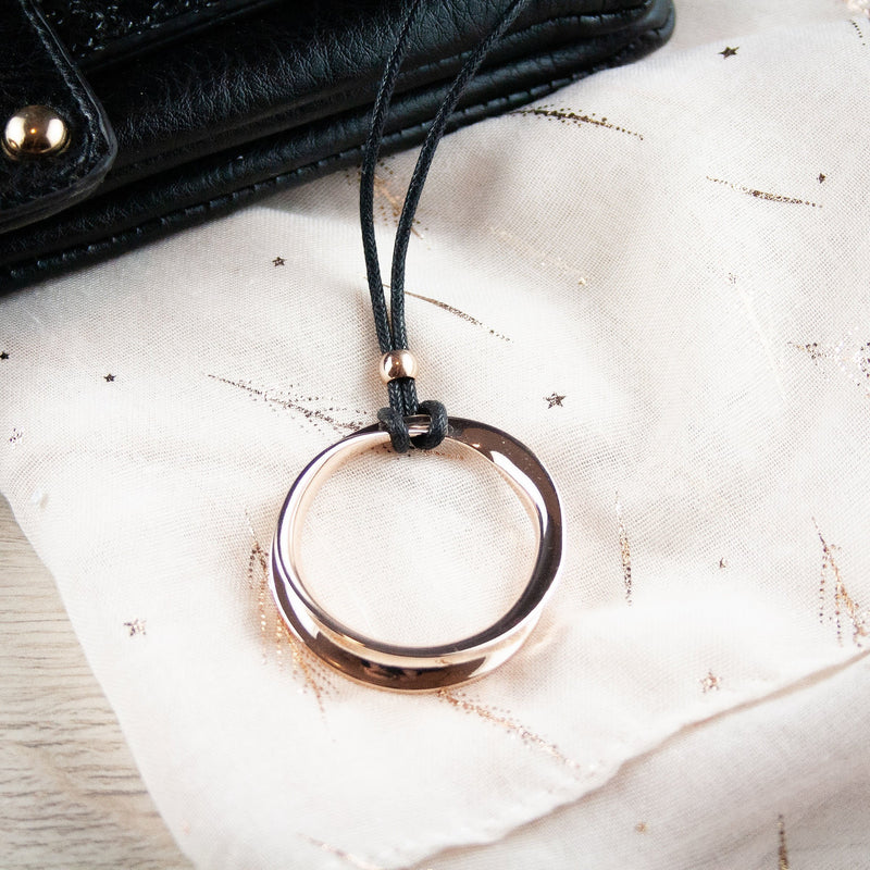 Molly Long Rose Gold Circle Necklace Small