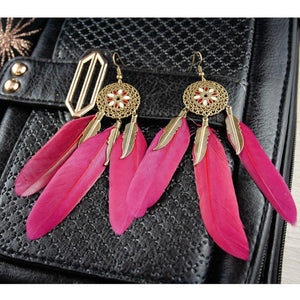 Feather earring in burgundy