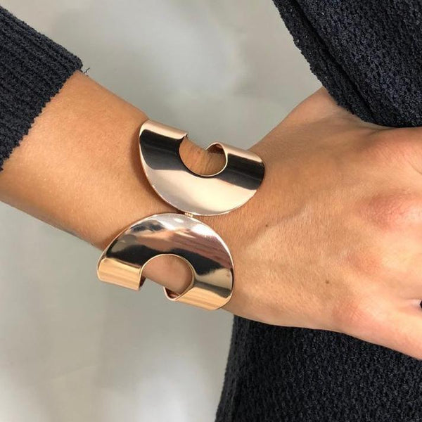 Rose Gold Flat Loop Bracelet