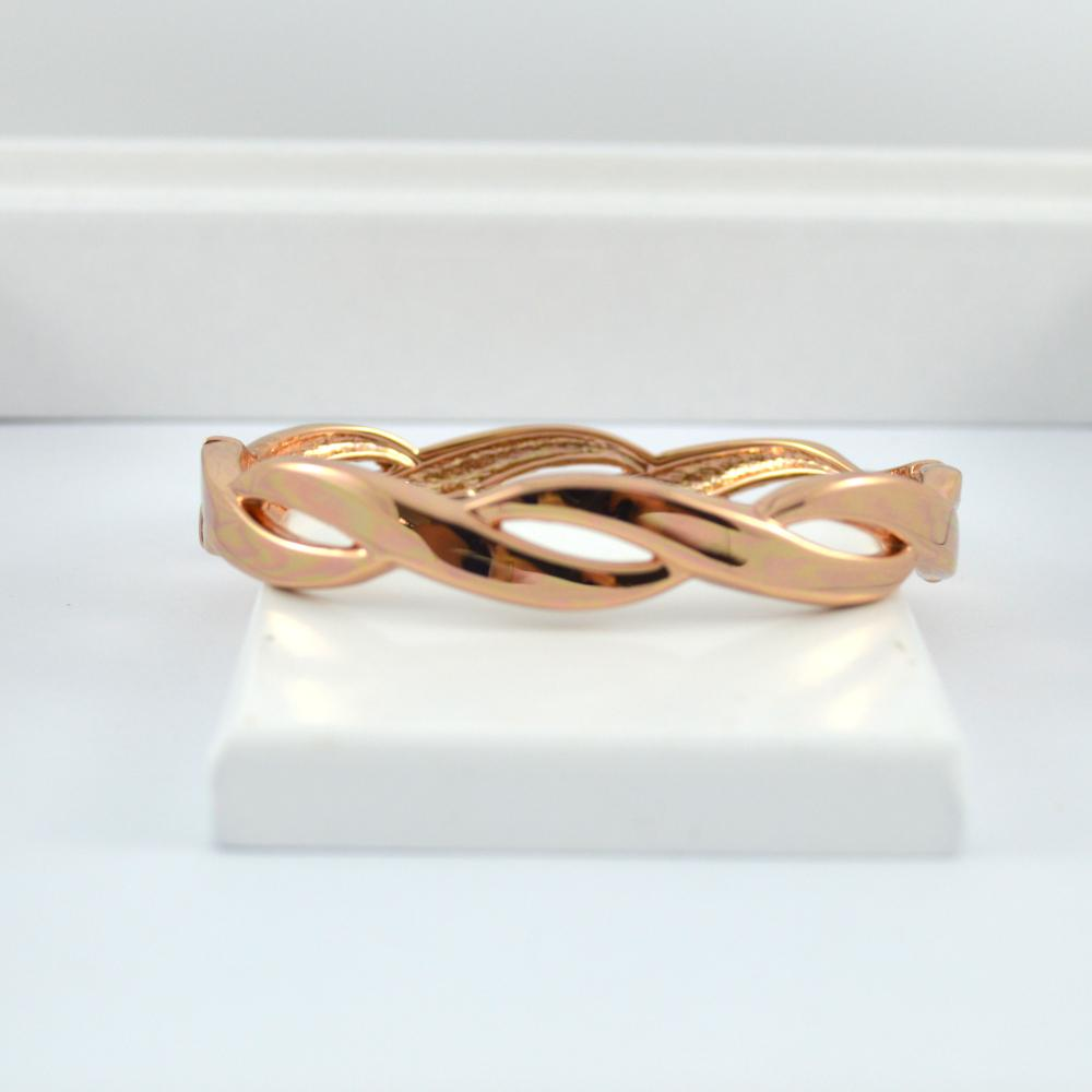 Rose Gold Twist Bangle