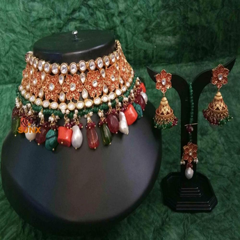 Beautiful Kundan Style Choker Necklace Set - My Aashis