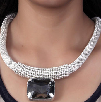 Fashionable Silver Look Africa Style Necklace - My Aashis