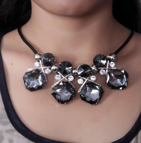 Exclusive Designed Black Rhinestone Statement Necklace - My Aashis