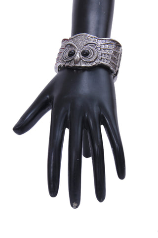 Openable Oxidized Silver-Plated & Black Owl-Shaped Bracelet - My Aashis