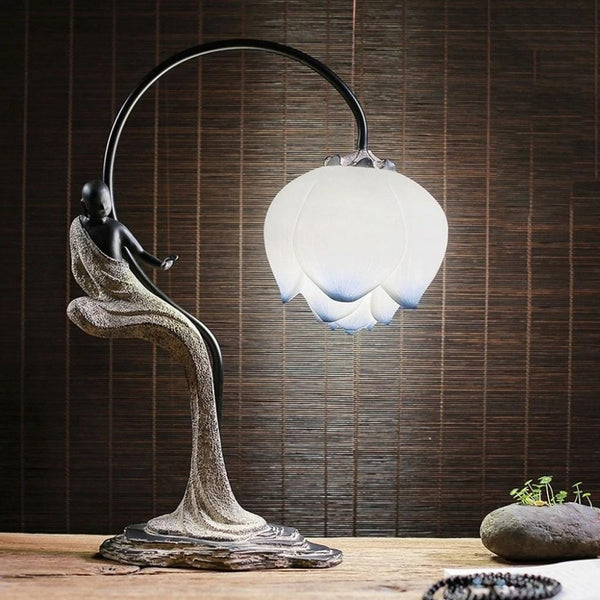 Modern Vintage Lotus Table Lamp