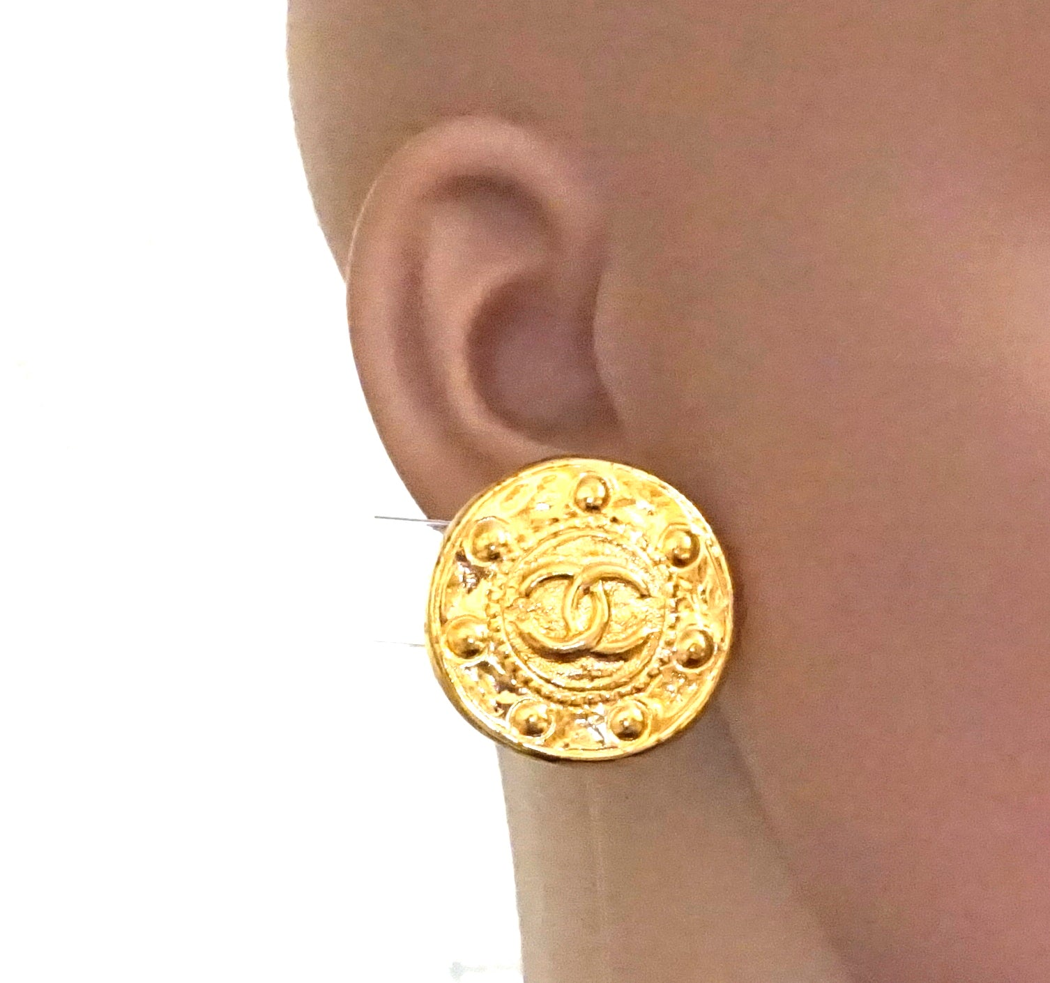 Chanel Médallion CC Textured Round Clip On Earrings with Perfume Set