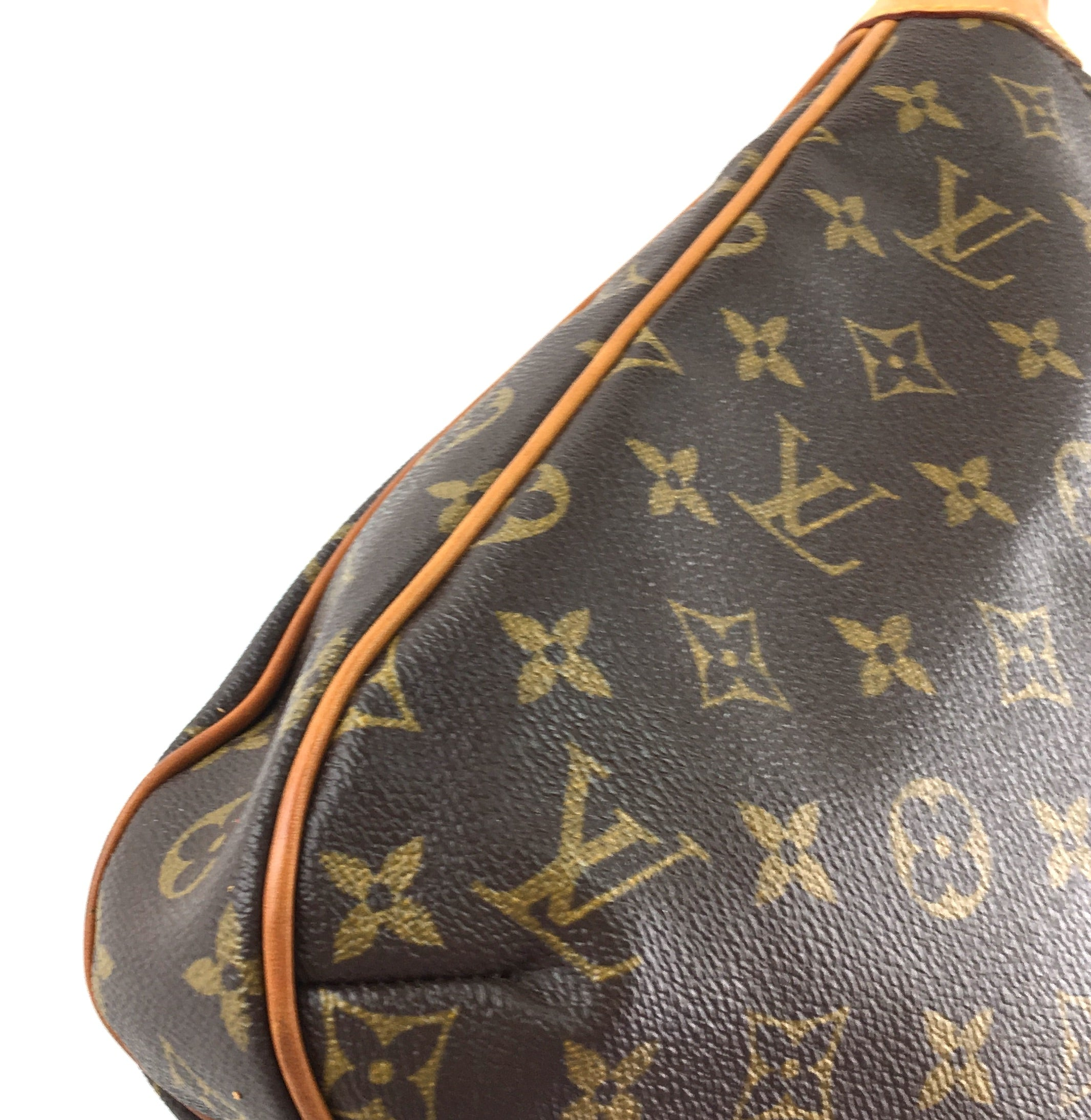 Louis Vuitton Odeon MM Monogram Canvas
