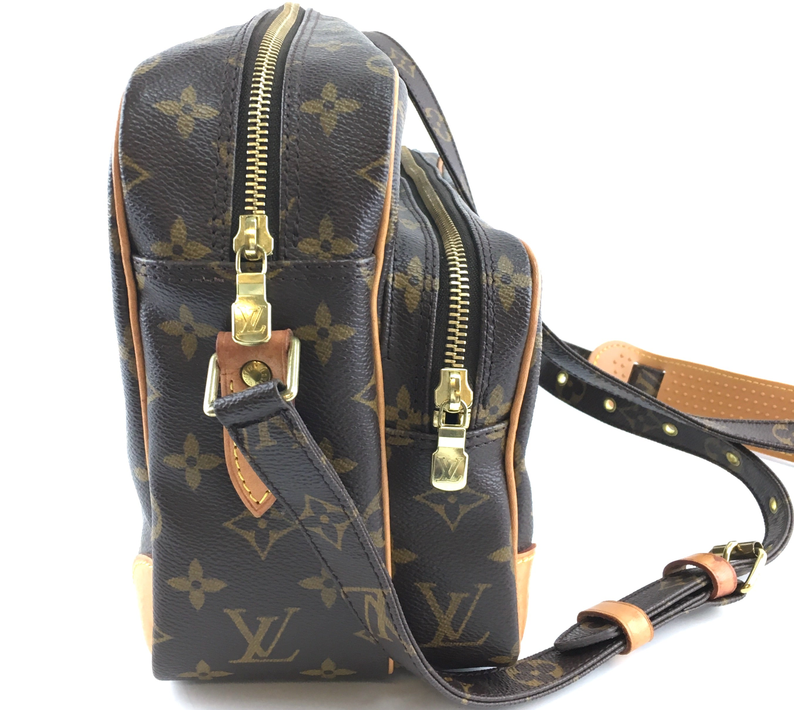 Louis Vuitton Amazon Nil 28 Monogram Canvas
