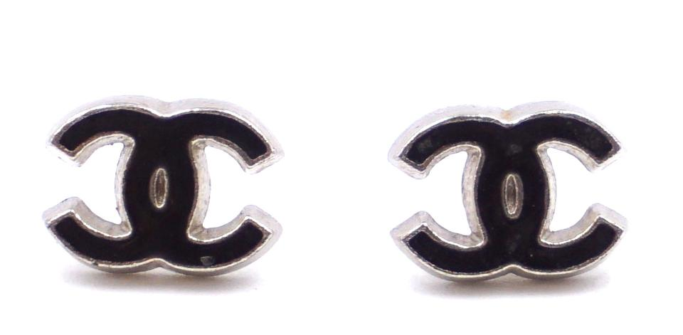 Cc Enamel Hardware Pierced Mini Stud Earrings