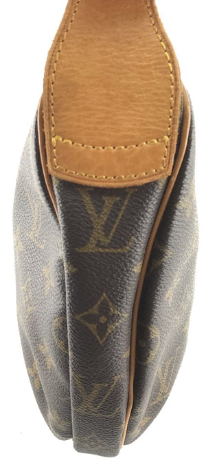 Louis Vuitton Croissant Monogram Canvas