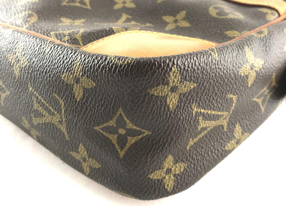 Louis Vuitton Monogram Trousse Toilette Clutch