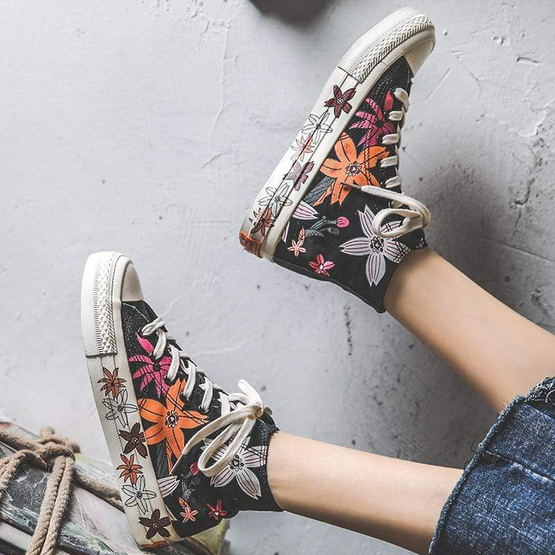 Flower Power Canvas Shoes Black / 4