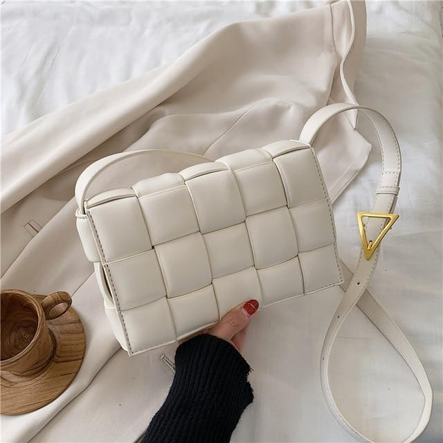 Wabo Shoulder Bag White / 23 X 8 X 15 CM
