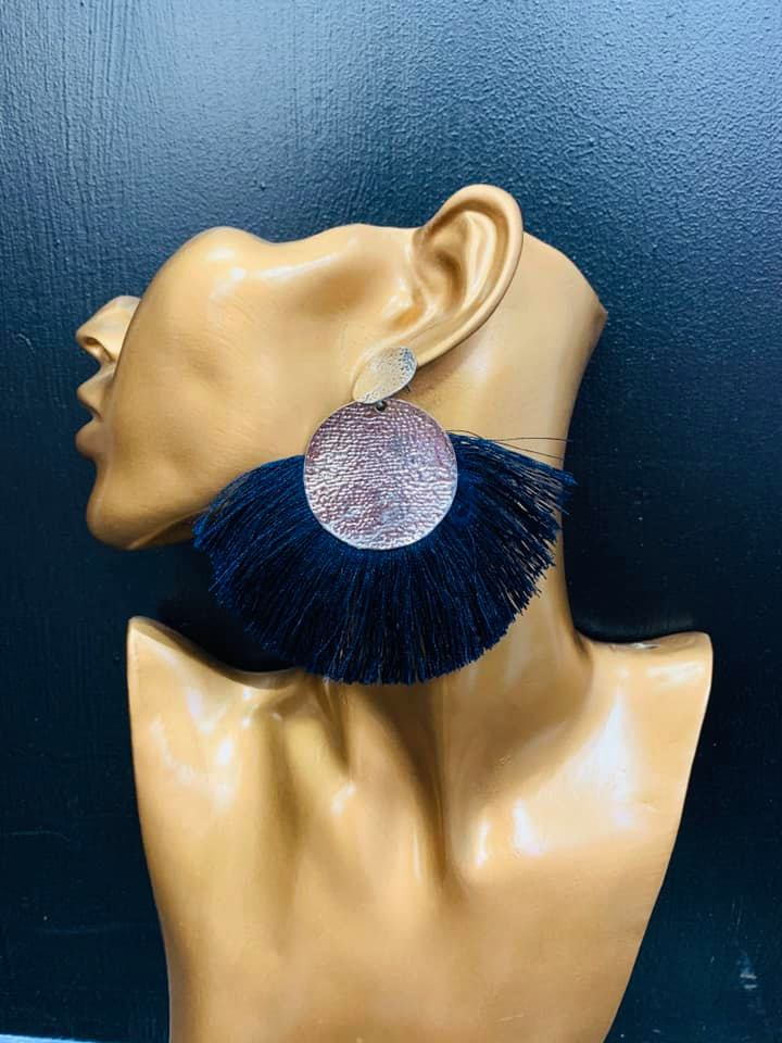 Isabella Earring (navy)