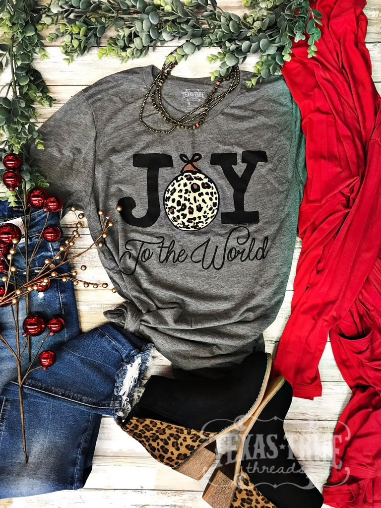 {DECK THE HALLS} Joy To The World LEOPARD ORNAMENT Gray Crew Neck Tee