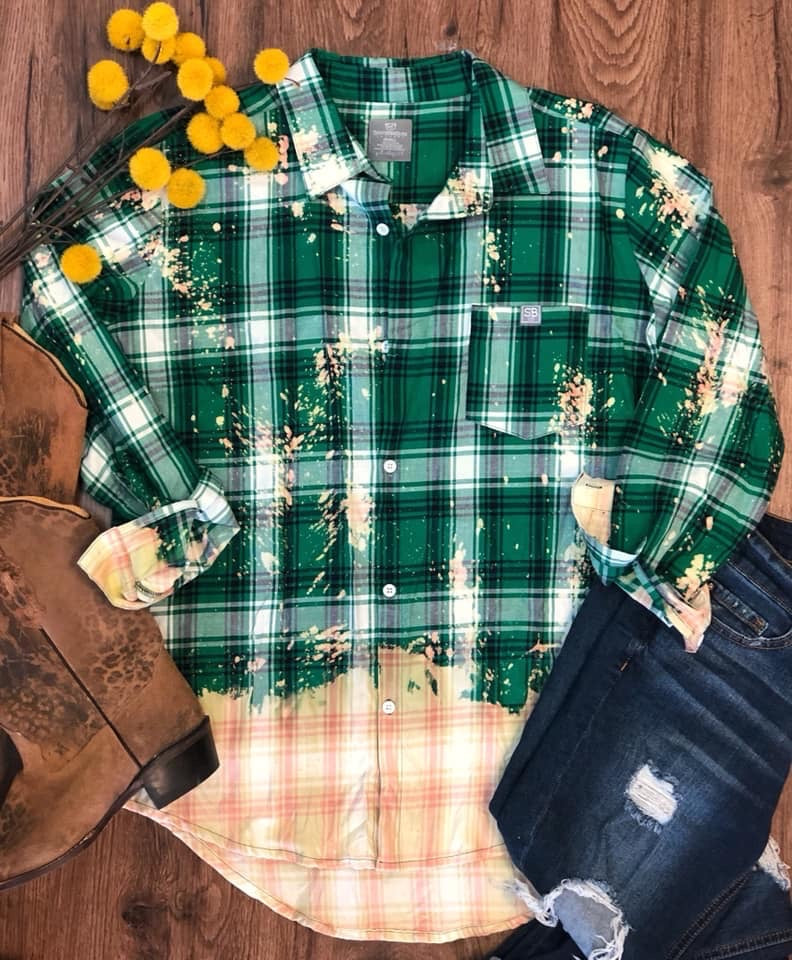 {GREEN GODDESS} Green Distressed Flannel Top