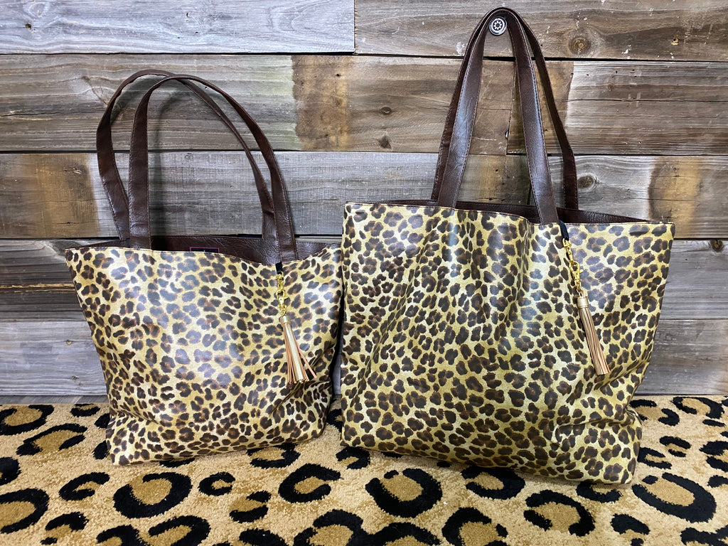 {SAVANNAH LEOPARD} Make Up Junkie Tote Bag (Two Sizes)