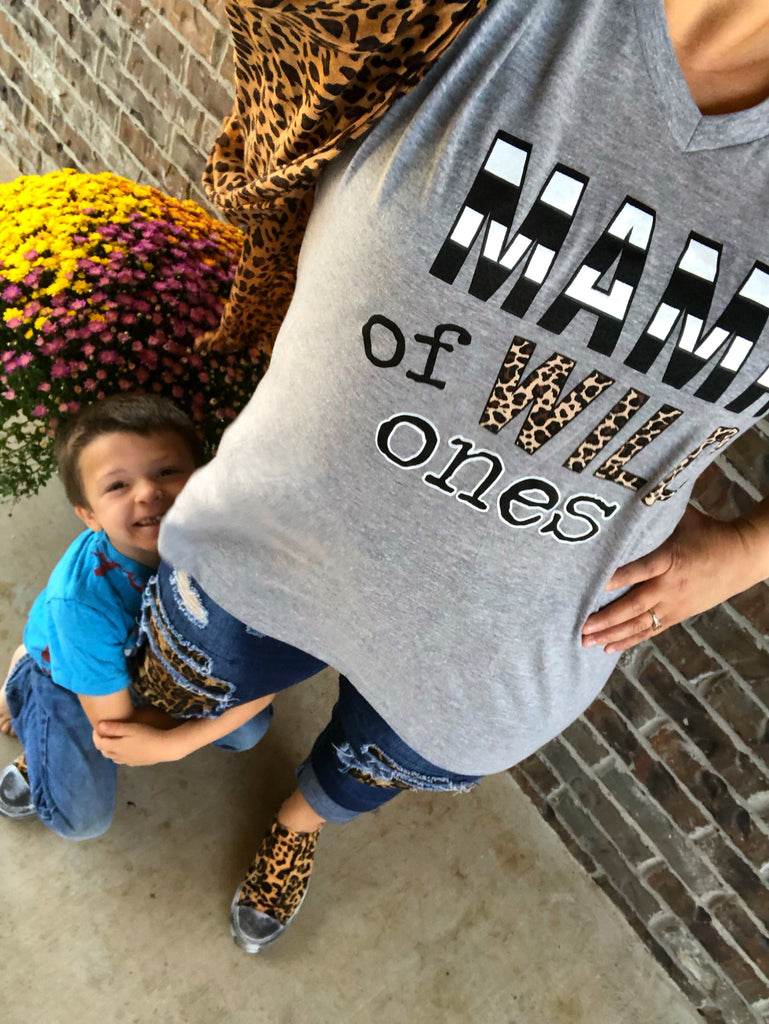 Mama of Wild Ones Stripes & LEOPARD Gray V-Neck Tee