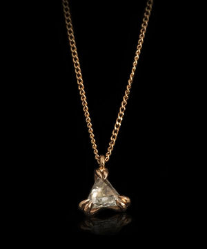 <strong>0.19 ct.</strong> Natural Triangle Whitish Rough diamond in 18K rose gold necklace