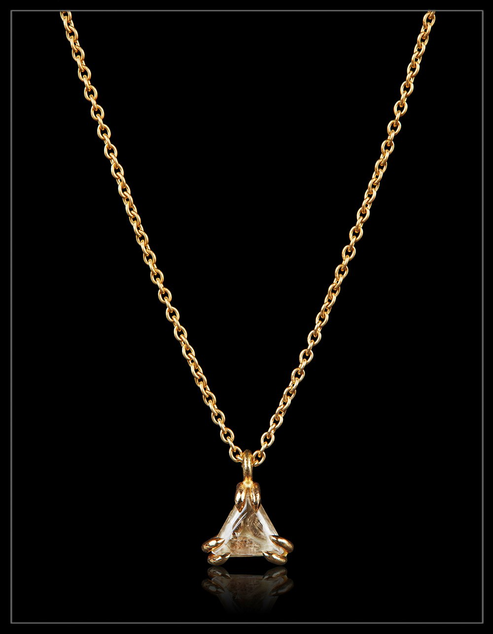 Feminine rough diamond necklace - <strong> 0.72 ct. </strong>