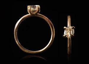 <strong>0.84 ct.</strong> Natural Clear Rough diamond in 14K gold ring'