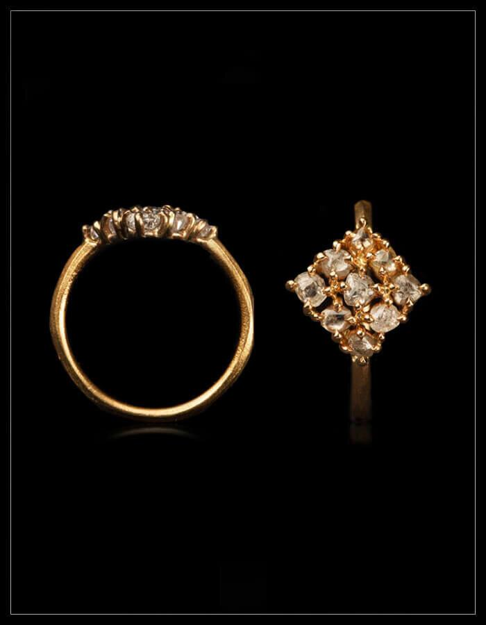 Namibian White Rough Diamonds Gold Ring - <strong>1.03 ct.</strong>
