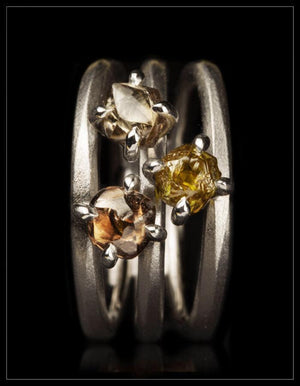 Three-in-one White Gold Ring with Intense Rough Diamonds - <strong>2.56 ct.</strong>