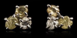 <strong>2.80 ct.</strong> Natural Rough diamonds in 14K white gold earrings